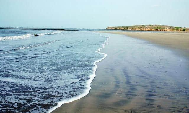chorwad-beach