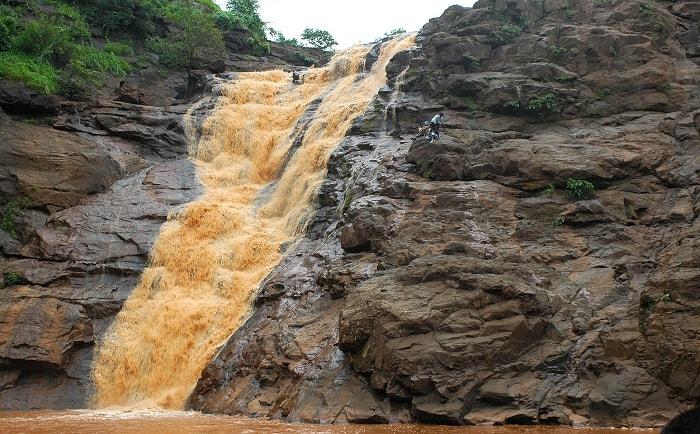 Barda Waterfall (Chankhal, Ahwa)