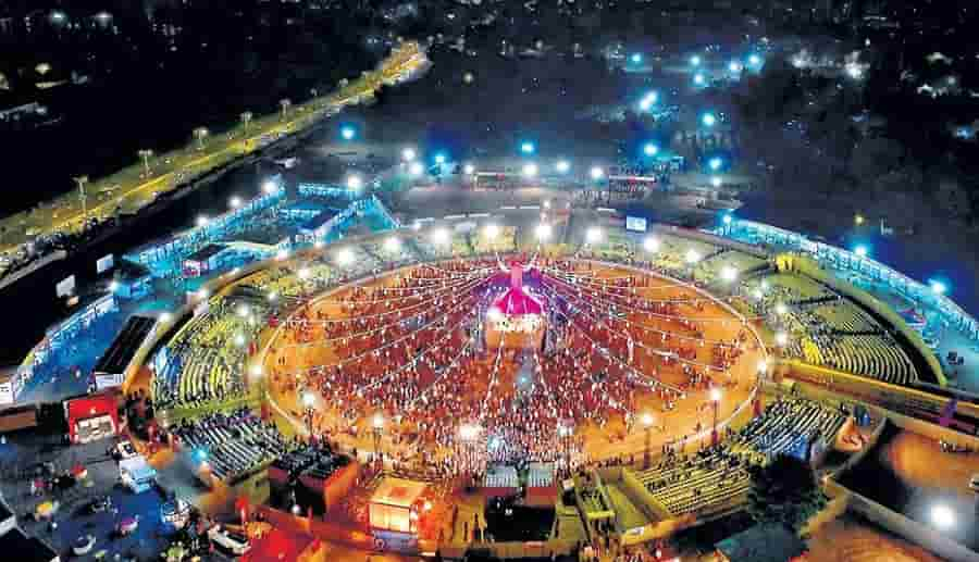 garba and dandiya celebration vadodara