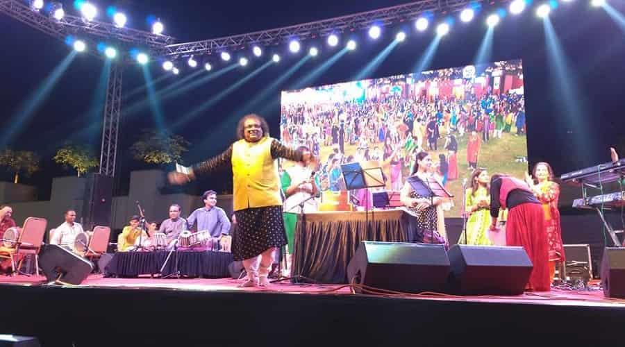 Mirchi Rock and Dhol Garba Celebration
