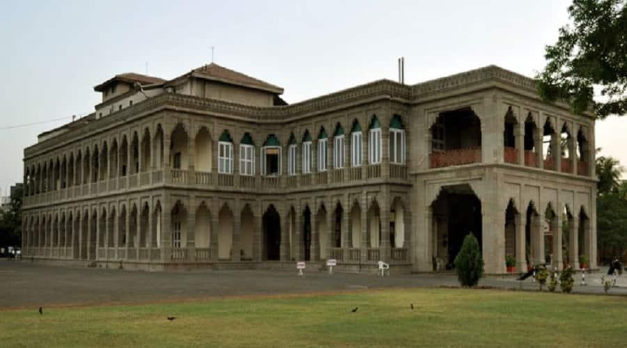 Nilambagh-Palace-Bhavnagar