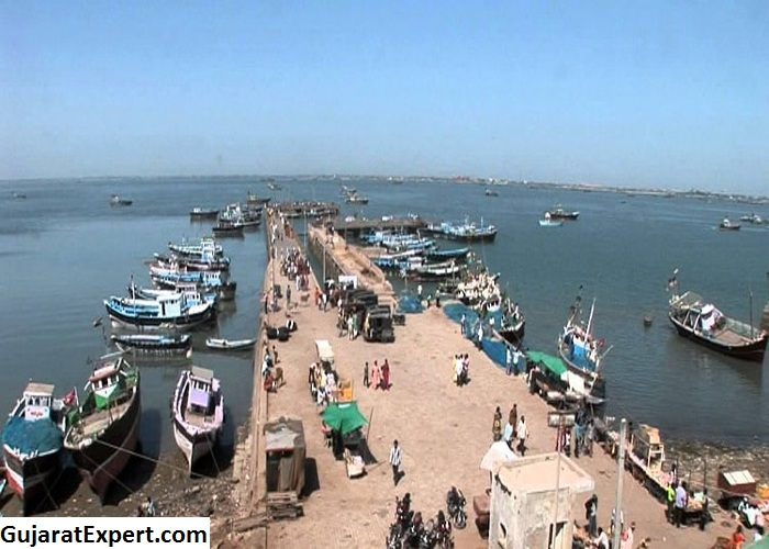 Dwarka, Gujarat Location – Driving Direction by Road, Trains, Flights, Bus / Car